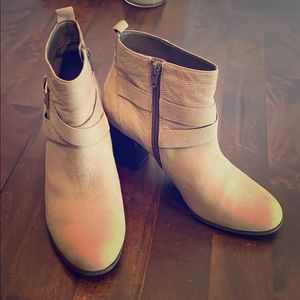 Women's Cole Haan Booties Size 9 Grand.os, Gray